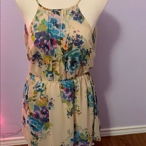 Forever21 beige floral mini dress